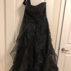 Black strapless formal dress